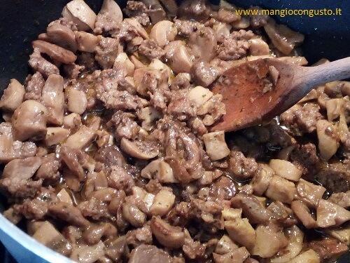 condimento funghi e salsiccia