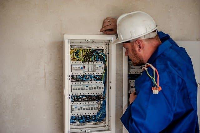 rinnovo linea elettrica condominiale